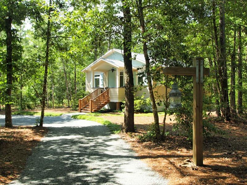 Cottage Retreat - Marsh Harbor Cottage 117105 - Havelock - rentals