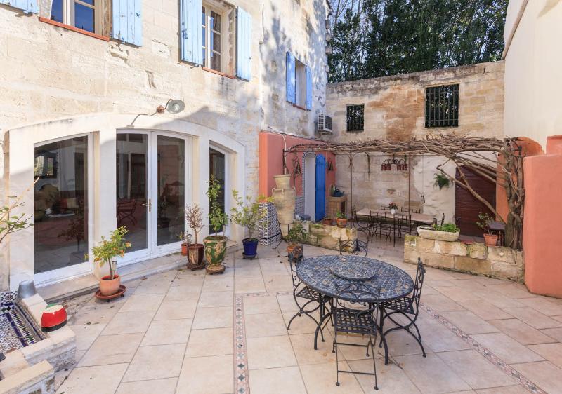 Charming house in Avignon city - Image 1 - Avignon - rentals