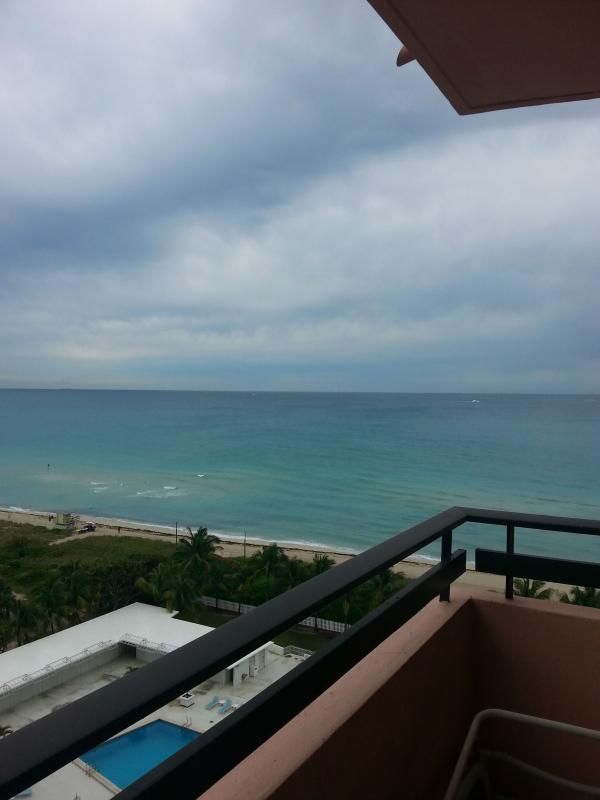 Oceanfront Two Bedroom Two Bathroom w/ Balcony 1AX2AEZF - Image 1 - Miami Beach - rentals