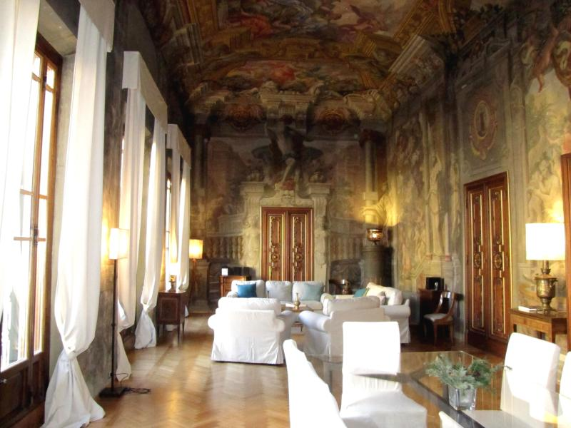 The living area, Florence's art and history are not only outside - RdP, elegance and comfort in the heart of Florence - Florence - rentals