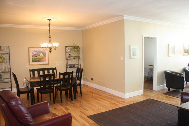 Dining room - 2 Bedroom Prime location in centre of the Old City - Quebec City - rentals