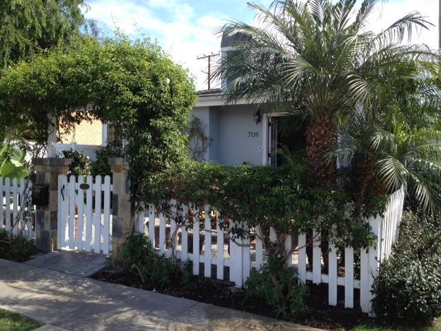 front of house - Corona Del Mar Beach 2 Bedroom Cottage - Corona del Mar - rentals