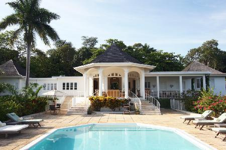 Ocean view Nutmeg South- near beach & 3 golf courses, pool, full staff - Image 1 - Montego Bay - rentals
