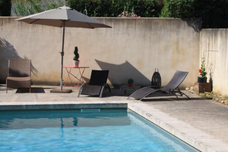 Les Mazets de Pascale- Charming 1 Bedroom Cottage in St Remy de Provence - Image 1 - Saint-Remy-de-Provence - rentals