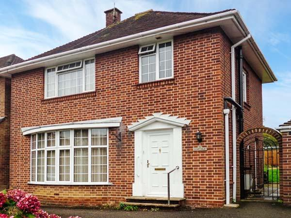 DOVEDALE, enclosed garden, pet-friendly, WiFi, in chandler's Ford, Ref 917165 - Image 1 - Eastleigh - rentals
