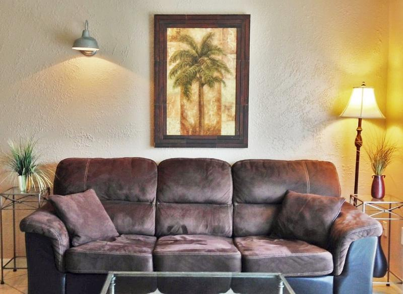 Comfy furnishings, queen sleeper sofa in living room - Comfort & Style at Downtown Melbourne Harbor! - Melbourne - rentals