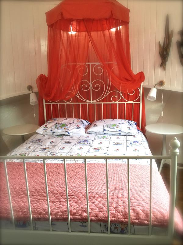 Houseboat Janna - sleeping cabin - Luxurious houseboat on the river Amstel - Janna - Amsterdam - rentals