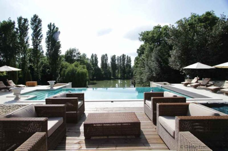 Blissful Country Chateau, Dordogne, FRMD150 - - Image 1 - Eymet - rentals