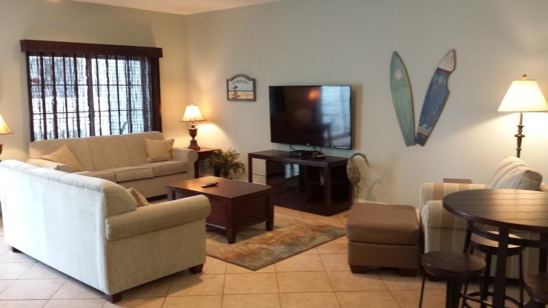 """Living Room - beautifully redecorated Feb 2015 - 60"""" Flat Screen TV - NEW LISTING!  Beautiful 6BR/5Bath Luxury Condo - Myrtle Beach - rentals"""