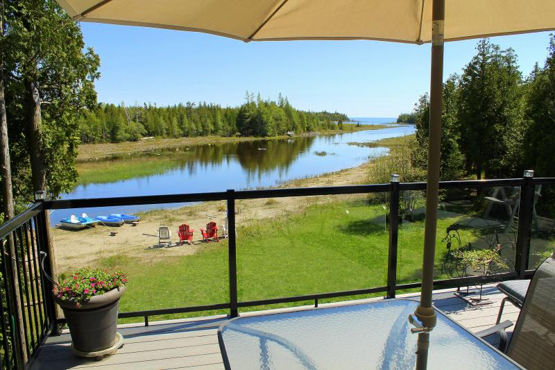 Elevated front deck with southern exposure overlooking sandy Lake Huron shoreline...great for kids - Willow Bank - Private Lakeside Retreat- Tobermory - Tobermory - rentals