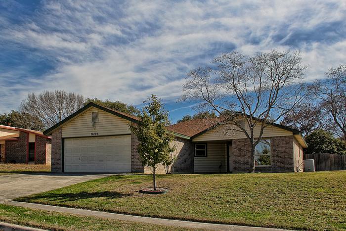 2 Homes in San Antonio near Lackland and SeaWorld! - Image 1 - San Antonio - rentals