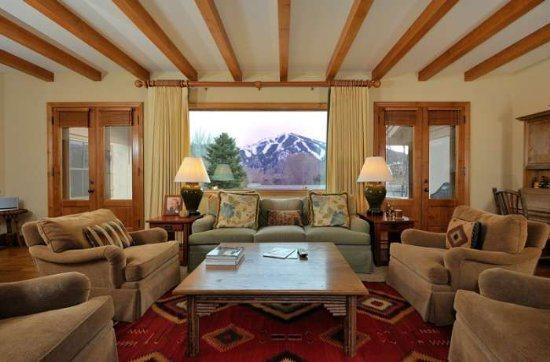 Large living room with Baldy views  - Harriman Cottage, E Lake Rd #4, Sun Valley - Sun Valley - rentals