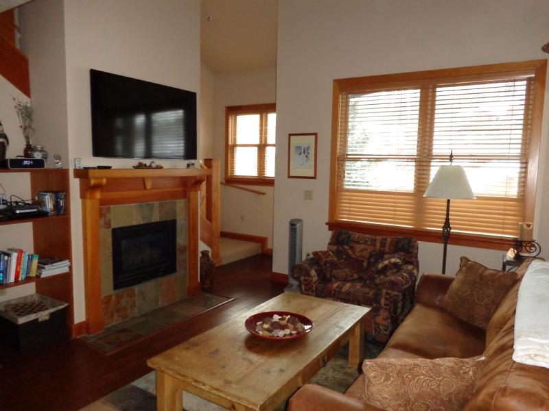 Living Room with Fireplace and 55 inch HDTV - Deer Valley Condo with Hot Tub, Steps from the Bus - Park City - rentals
