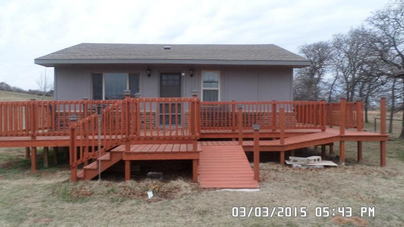 Beyond The Hill House with wrap around deck - Beyond The Hill House, 2Bedroom in the Country - Guthrie - rentals