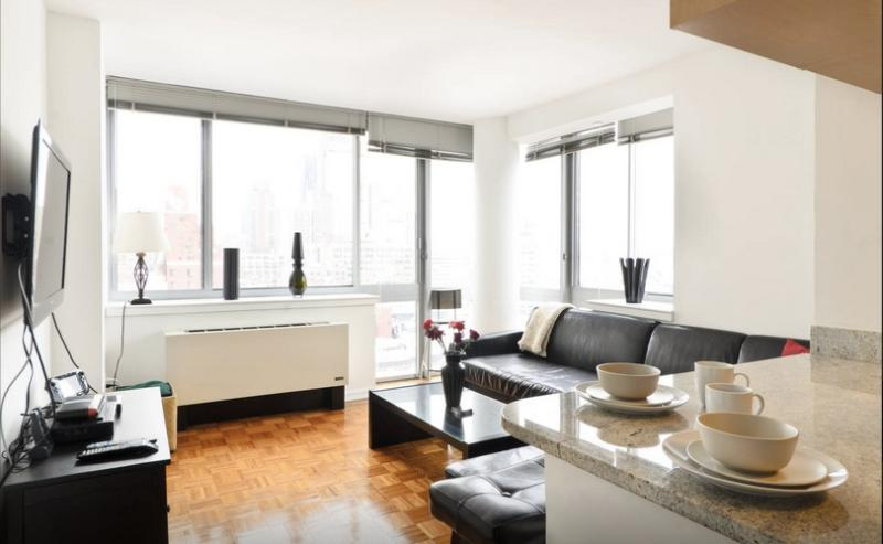 Large Times Square Broadway 1-Bedroom - Image 1 - New York City - rentals