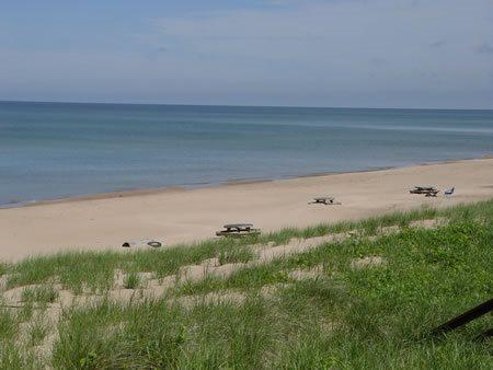 and again - 26 North Shore North - Weekly stays begin on Saturdays - South Haven - rentals