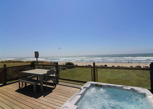 Large Deck w/ Hot Tub - Oceanfront Home w/ Ocean View Hot Tub & Easy Beach Access! - Lincoln City - rentals
