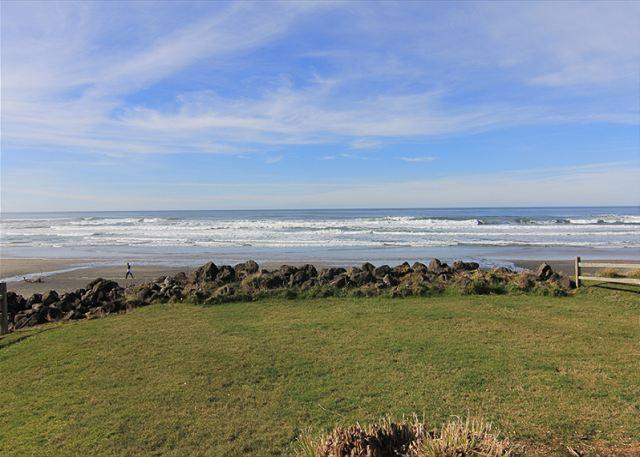 Newly Remodeled Ocean Front Home In Road's End w/ Fabulous Amenities! - Image 1 - Lincoln City - rentals
