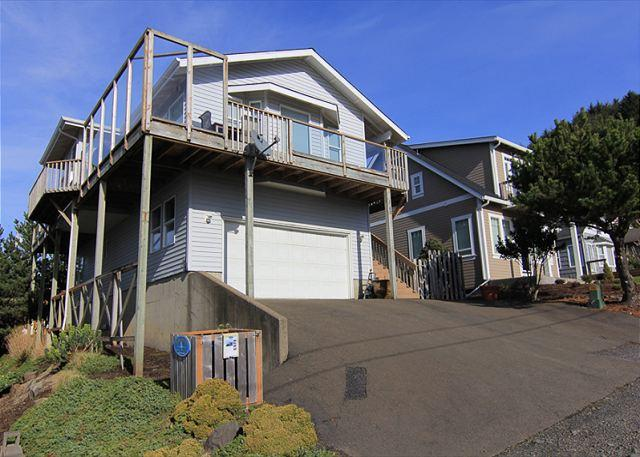 Beautiful Ocean Views & Immaculate Interior at Suite Retreat! - Image 1 - Lincoln City - rentals