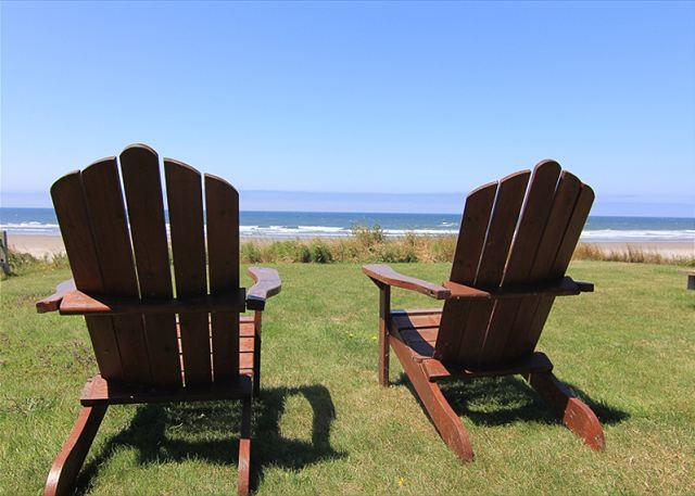 Beautiful Oceanfront Hm w/ Panoramic Ocean Views, Hot Tub & Easy Beach Access - Image 1 - Lincoln City - rentals
