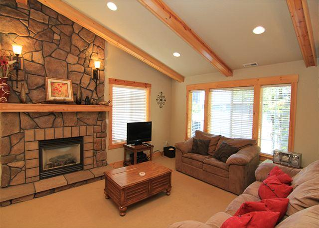 Spencer's Hillside Haven - Image 1 - Lincoln City - rentals