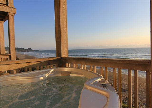 High End Ocean Front Vacation Home in Charming Bella Beach Neighborhood - Image 1 - Depoe Bay - rentals