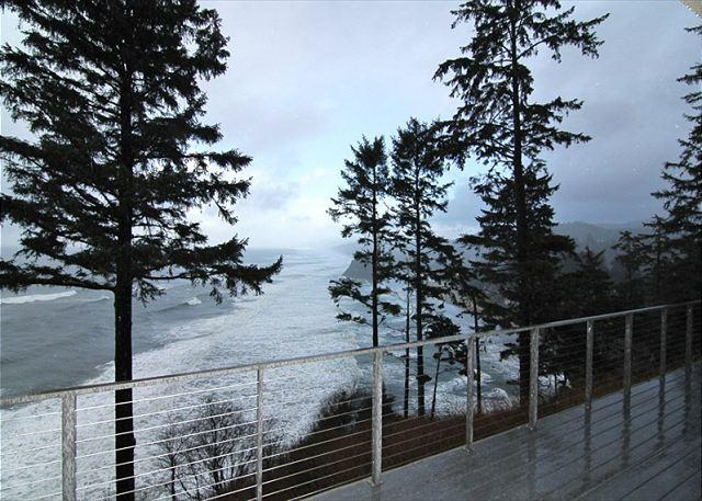 Sea Ridge - Stunning Ocean Front Luxury Home In Neskowin w/ Hot Tub and More! - Image 1 - Lincoln City - rentals