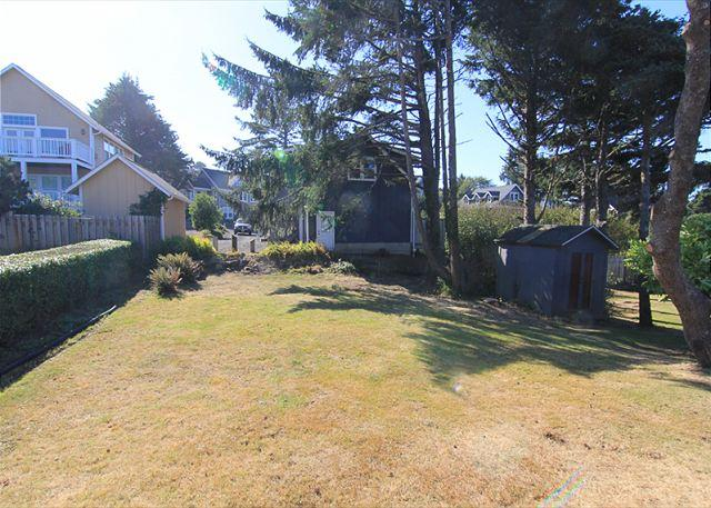Backyard - By the Sea- Steps Away From Roads End State Park, Close to Town, Charming Hm - Lincoln City - rentals