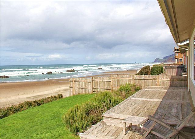 Ocean Front Hm Overlooking Miles of Sandy Beaches & the Pacific Ocean - Image 1 - Lincoln City - rentals