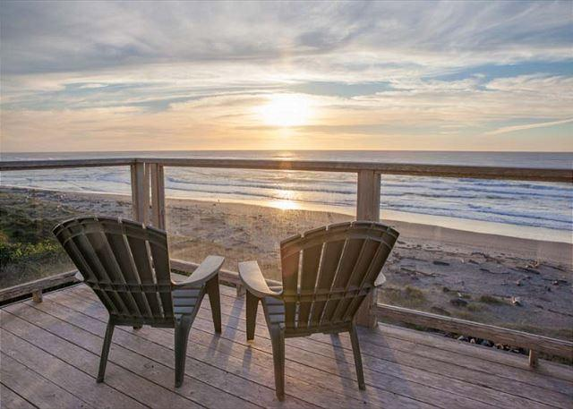 Enjoy stunning, panoramic views of the Pacific Ocean & miles of beaches - Image 1 - Lincoln City - rentals