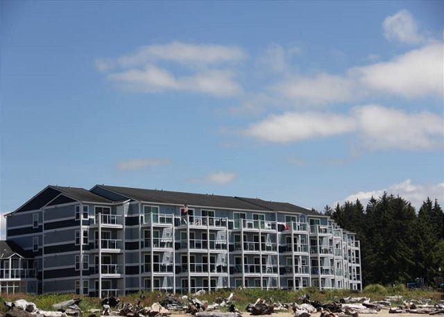 Amazing Bay and Ocean Views From a Luxury Condo! - Image 1 - Lincoln City - rentals