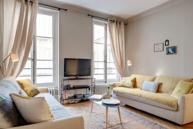 LOUVRE PONT-NEUF : 2BR / 2BA by the Louvre - Image 1 - Paris - rentals