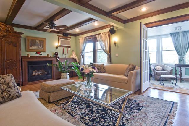 Great room - 4 bedroom Victorian Condo - Boston - rentals