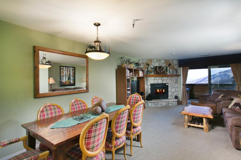 The Bridges #108 Living Area with Gas Fireplace - Bridges 108 - Mammoth Ski in Ski out Condo - Mammoth Lakes - rentals