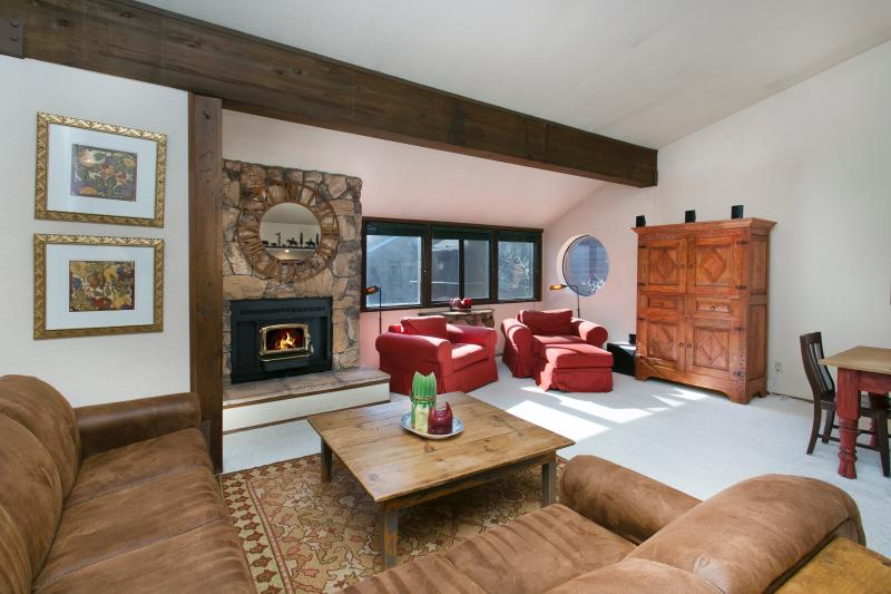 Helios North #7 Living Area With A Wood Burning Fireplace - Helios North 7 - Mammoth Village Rental - Mammoth Lakes - rentals