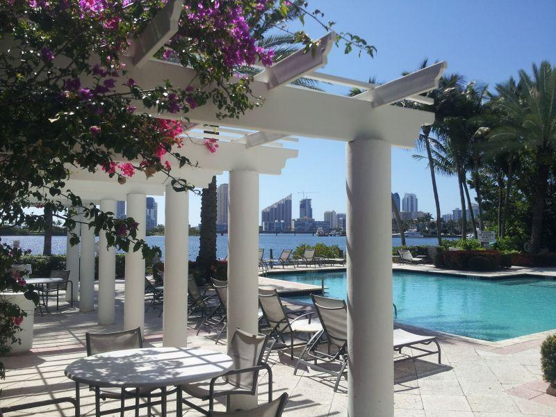 Special: $50/week off -Luxury, resort style living - Image 1 - Aventura - rentals