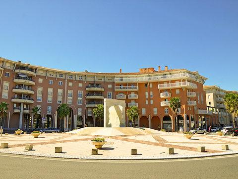 Port d'Attache ~ RA42610 - Image 1 - frejus - rentals