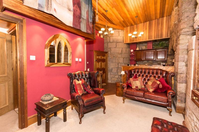 The castle Snug - Image 1 - Edinburgh - rentals