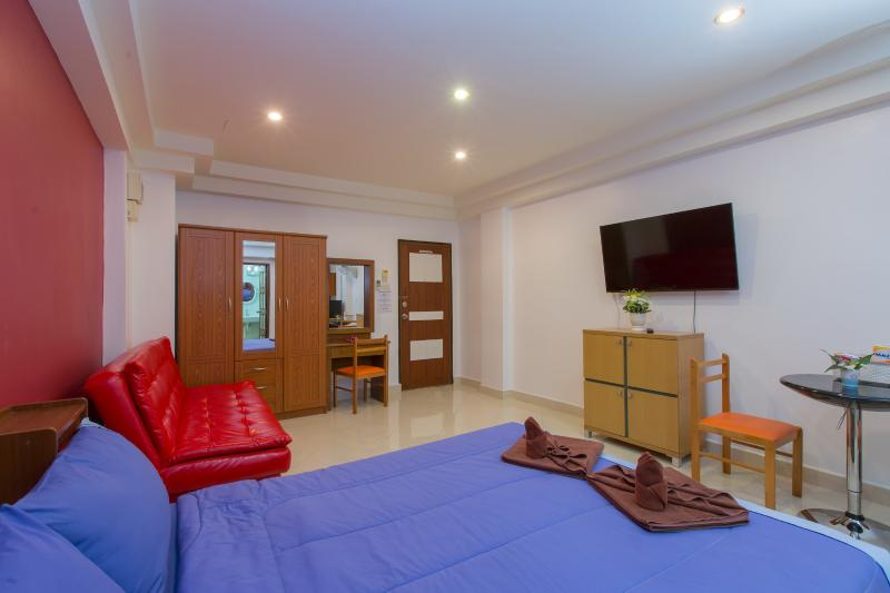 Studio for 4 with sofa bed - (D6181) Studio City View with Sofa Bed (4 adults) - Patong - rentals