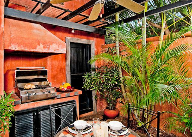 BBQ area - Enchanting villa- cable, internet, across from beach, private pool, a/c - Tamarindo - rentals