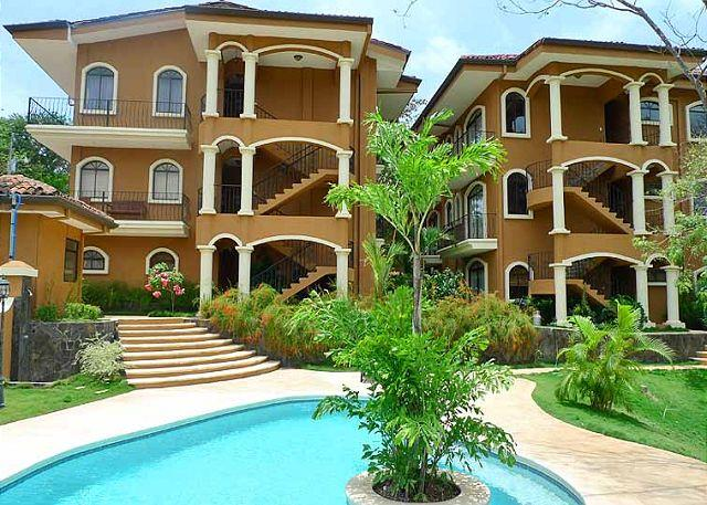 Tamarindo Azul - Modern, stylishly furnished 3BR condo in tranquil area - Tamarindo - rentals