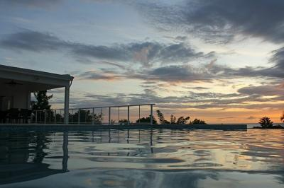 Exceptional 5 Bedroom Villa with Private Pool in Pelican Bay - Image 1 - Pelican Key - rentals