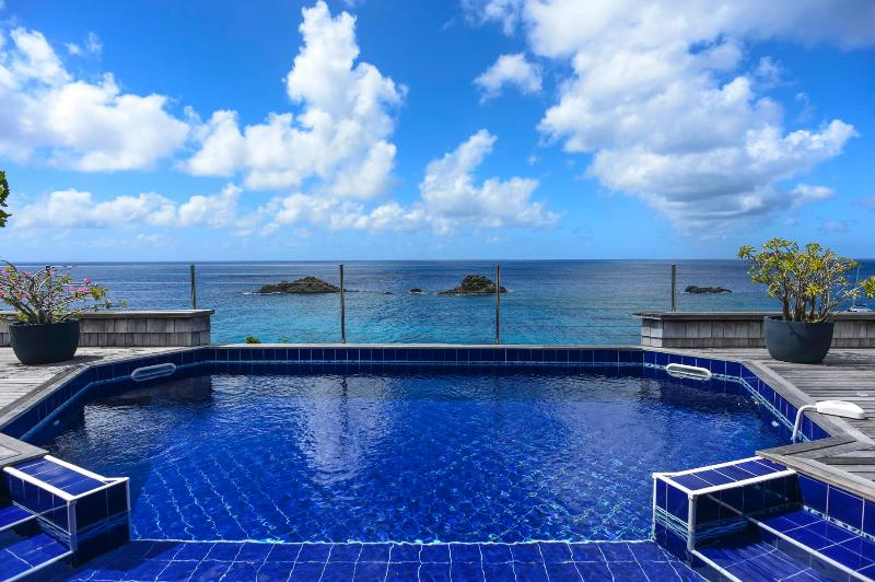 2 Bedroom Villa on the Heights of Gustavia - Image 1 - Gustavia - rentals