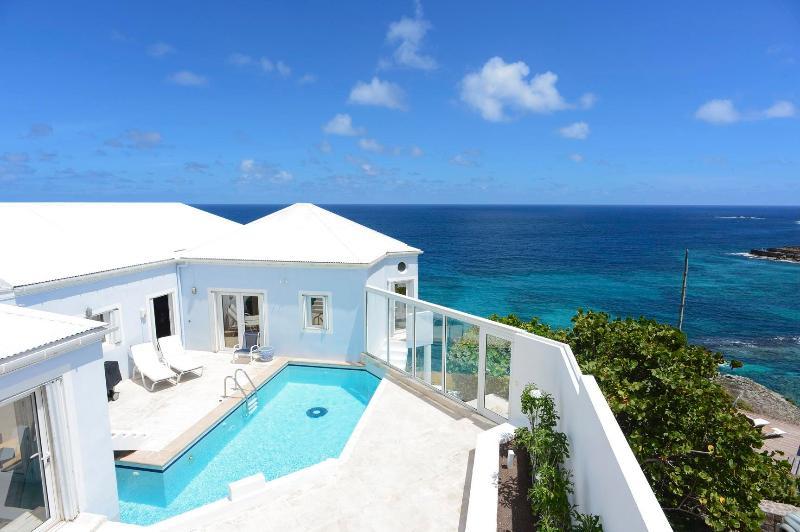 Elegant 4 Bedroom Villa Overlooking Pointe Milou - Image 1 - Pointe Milou - rentals