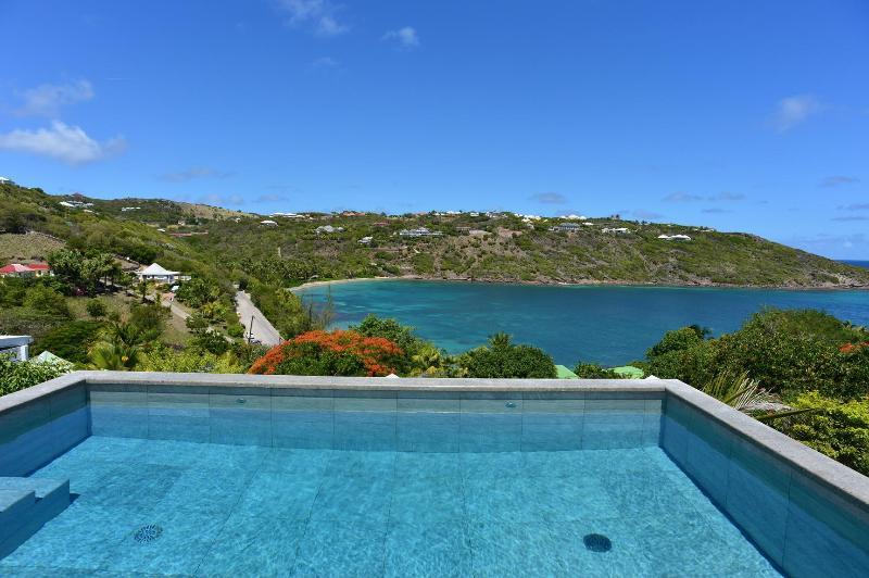 4 Bedroom Villa near Marigot Beach - Image 1 - Marigot - rentals