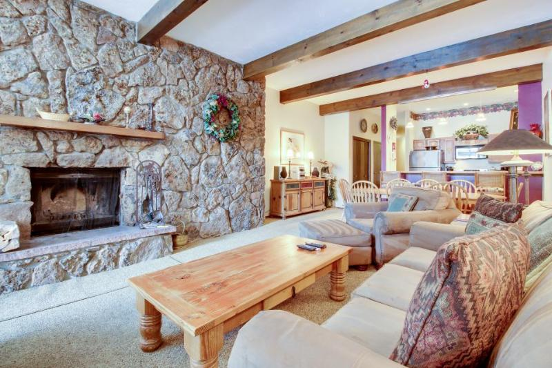Mountain condo with a shared pool, hot tubs, tennis & ski shuttle! - Image 1 - Avon - rentals