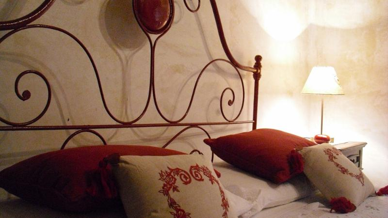 Charming house in the heart of a medieval village - Image 1 - Santo Stefano di Sessanio - rentals