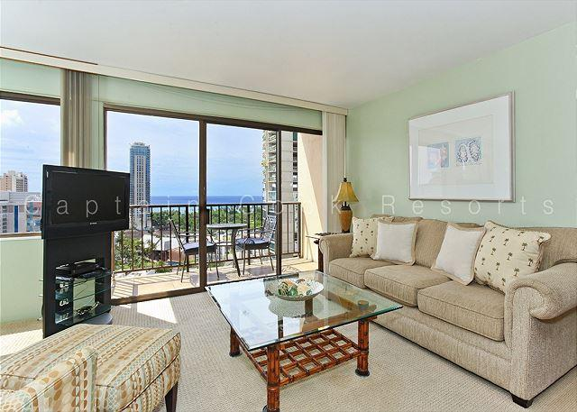 Beautiful 17th floor ocean-view condo with Toto washlet, FREE parking & WiFi! - Image 1 - Waikiki - rentals