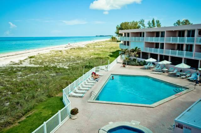 Pool - Anna Maria Island Club - Bradenton Beach - rentals