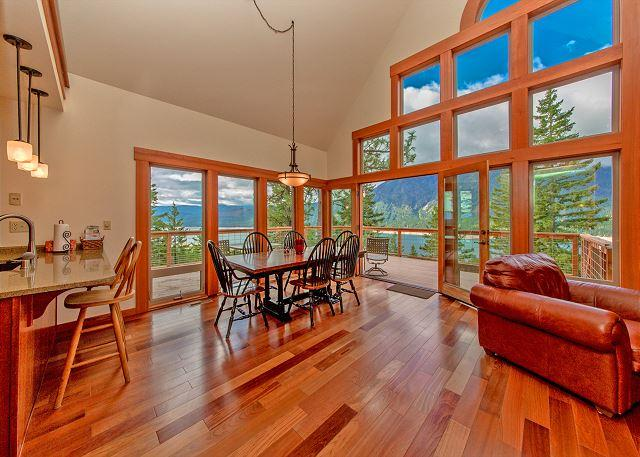 Lake View Lodge - Get FREE Nights! New, Custom Home overlooking Lake Cle Elum! 4BR/4BA! - Ronald - rentals